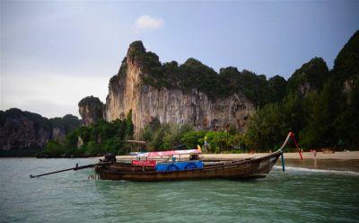Long tail boat morski je taksi juga Tajlanda