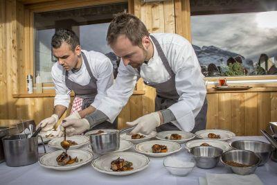 Priprema zeca na terasi Col Alta