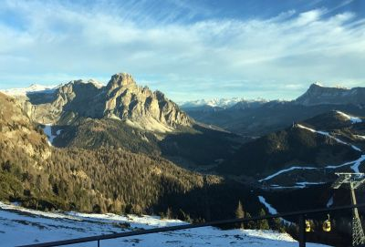 Pogled na planine bez snijega s doručka na Piz Boé