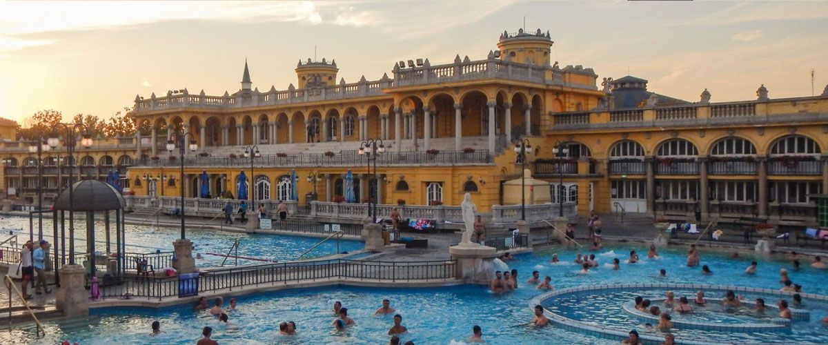 Széchenyi.Thermal.Bath.jpg