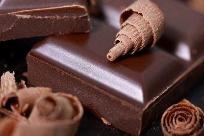 Tamna čokolada puna je kofeina