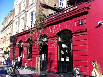 Pub u kojemu je visila i često posluživala Amy Winehouse