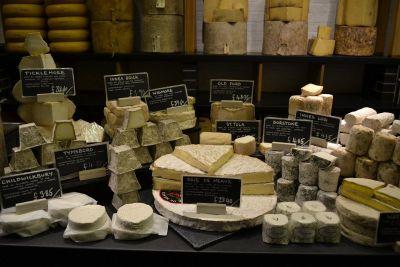 Djelić ponude sira u Neil`s Yard Diaryju
