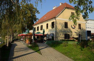 Siscia jazz klub nalazi se u povijesnoj zgradi Malog kaptola