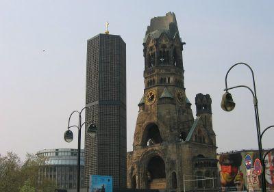 Kaiser Wilhelm crkva oštećena u bombardiranju