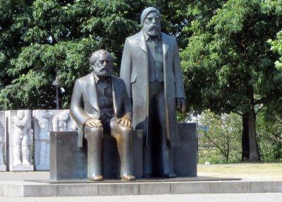 Marx i Engels na Unter den Linden