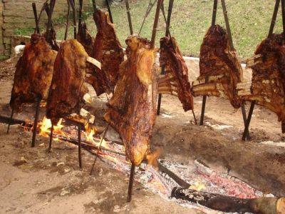 Costelao: Goveđa rebra satima pečena na laganoj vatri