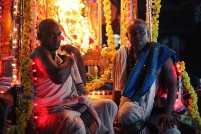 Hodočasnici bdiju u čast Shive