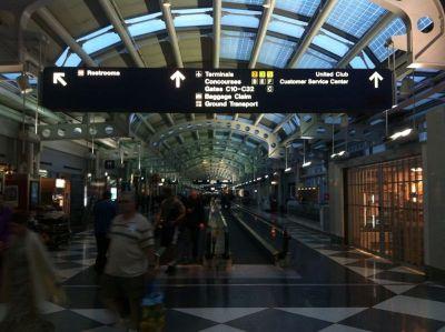 Neplanirano provedena noć u zračnoj luci Chicaga