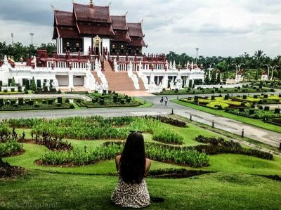 Uživanje u miru hramova