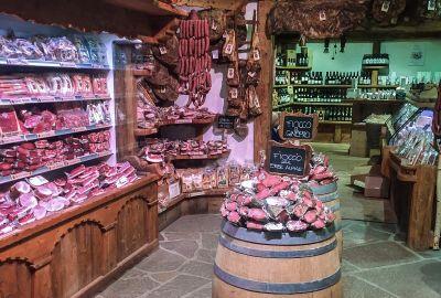 Tipična trgovina lokalnim delicijama
