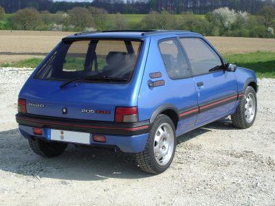 Legendarni model 205 Peugeot je dignuo iz mrtvih