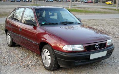 Astra u prošlosti baš i nije bila simbol atraktivnog automobila