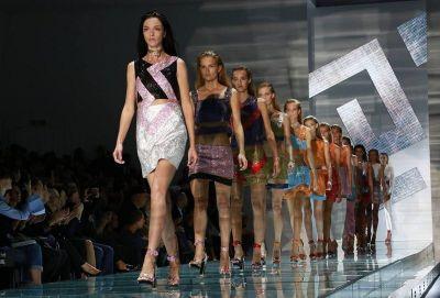 Versaceove šljokičaste haljinice