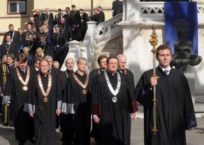 Vjerski fanatici u znanosti i obrazovanju postaju hrvatski trademark