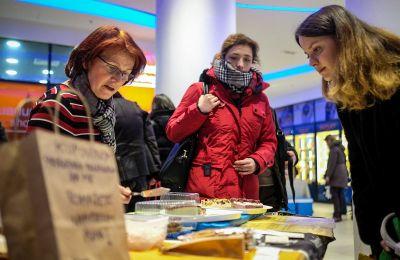 Mira Golčić prodaje svoje izvrsne sirove torte