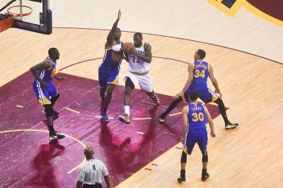 Cleveland i Warriorsi reprizirali su finale iz 2016